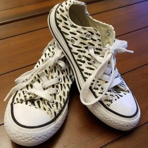 Converse Shoes - CONVERSE 🐅 SNEAKERS